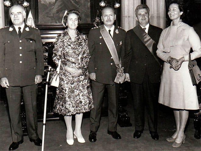 Juan Velasco Alvarado y la viceministra de Rumanía