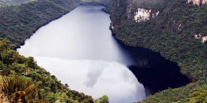 Laguna de las momias cultura Chachapoyas