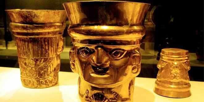 sican lambayeque vaso de oro